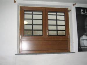 Finestra in PVC con sottoluce inferiore cieco